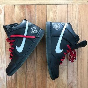 best website 3f297 536be Nike Shoes - Nike Dunk SB High N.E.R.D. Pharrell Dunk
